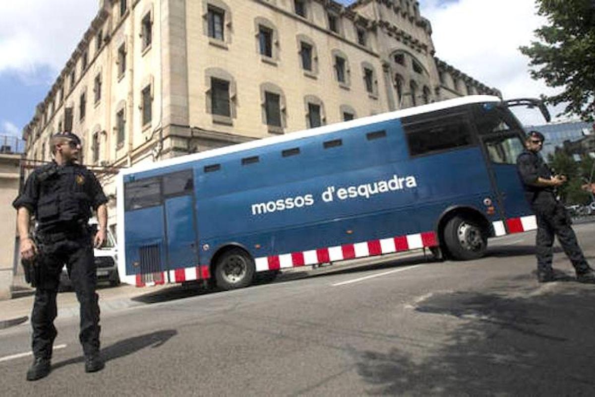 Tra Spagna e Catalogna si decide... a las seis de la tarde