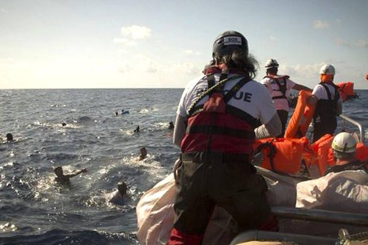 Aquarius costretta ad interrompere le operazioni di salvataggio in mare e Salvini esulta
