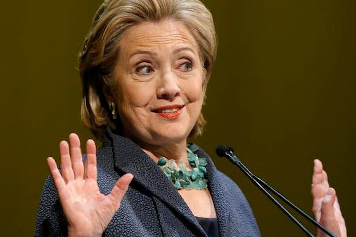I guai di Hillary Clinton. Indagata per spionaggio e corruzione