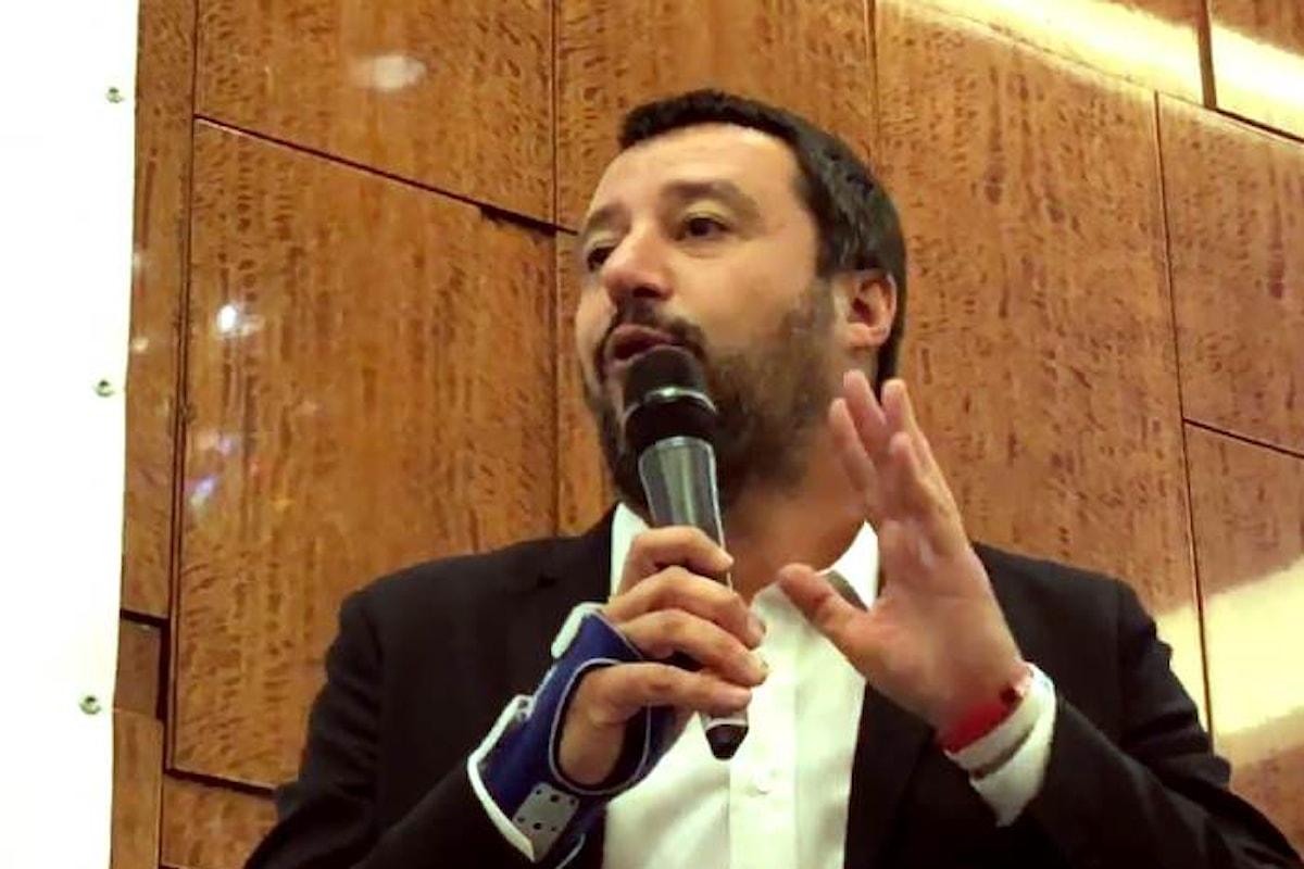 Ma perché Salvini che si occupa di Interno è andato a parlare agli imprenditori in Russia?