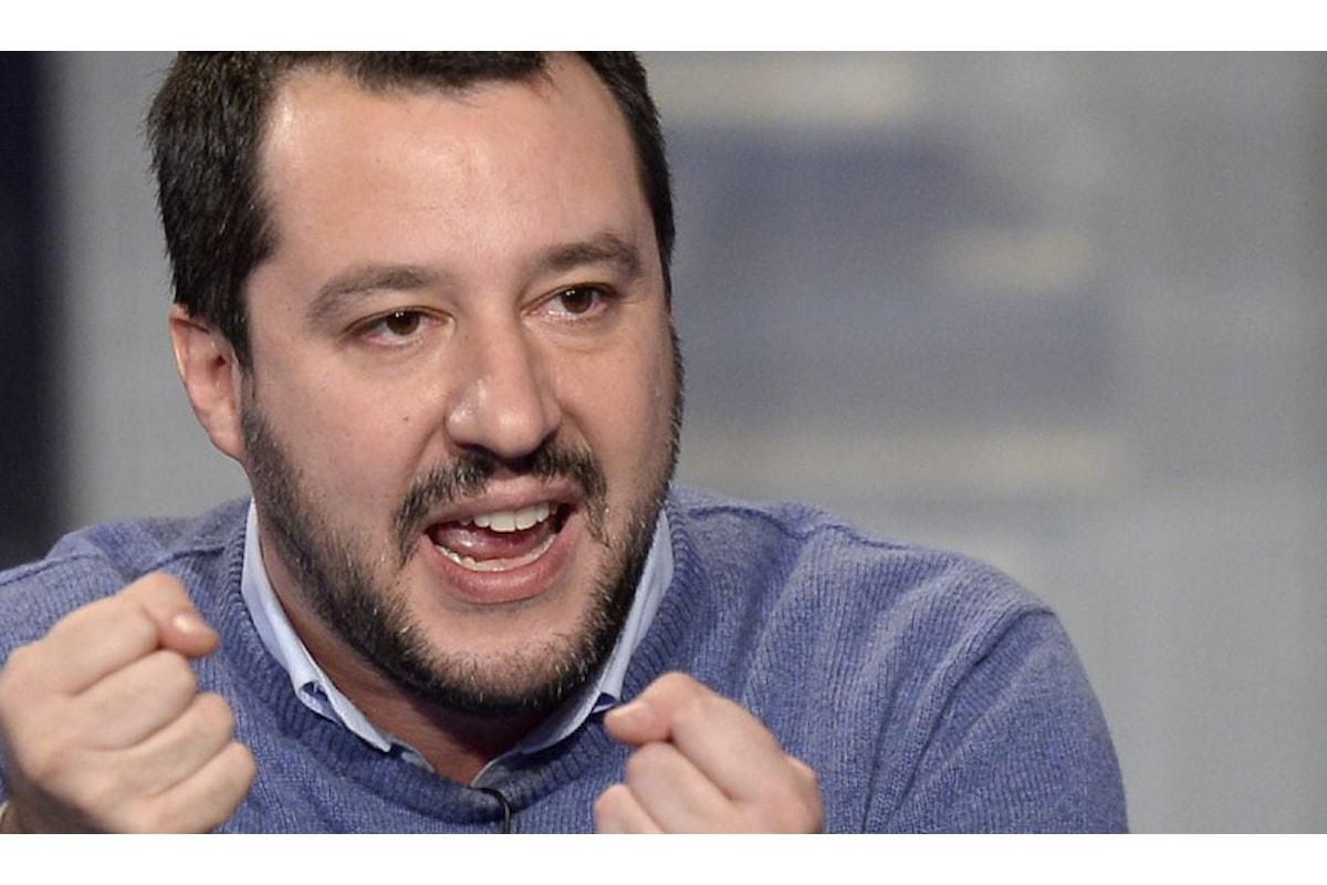 A furia di dargli del fascista Salvini si è rafforzato