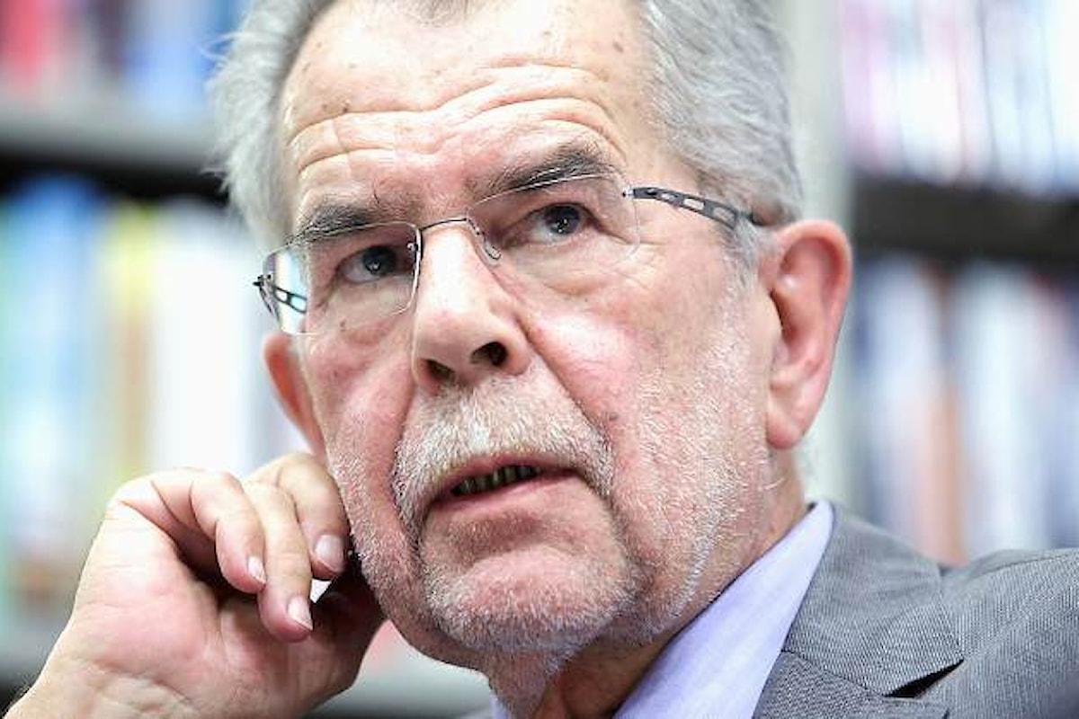Sconfitto Hofer. Van der Bellen è il nuovo presidente federale dell'Austria