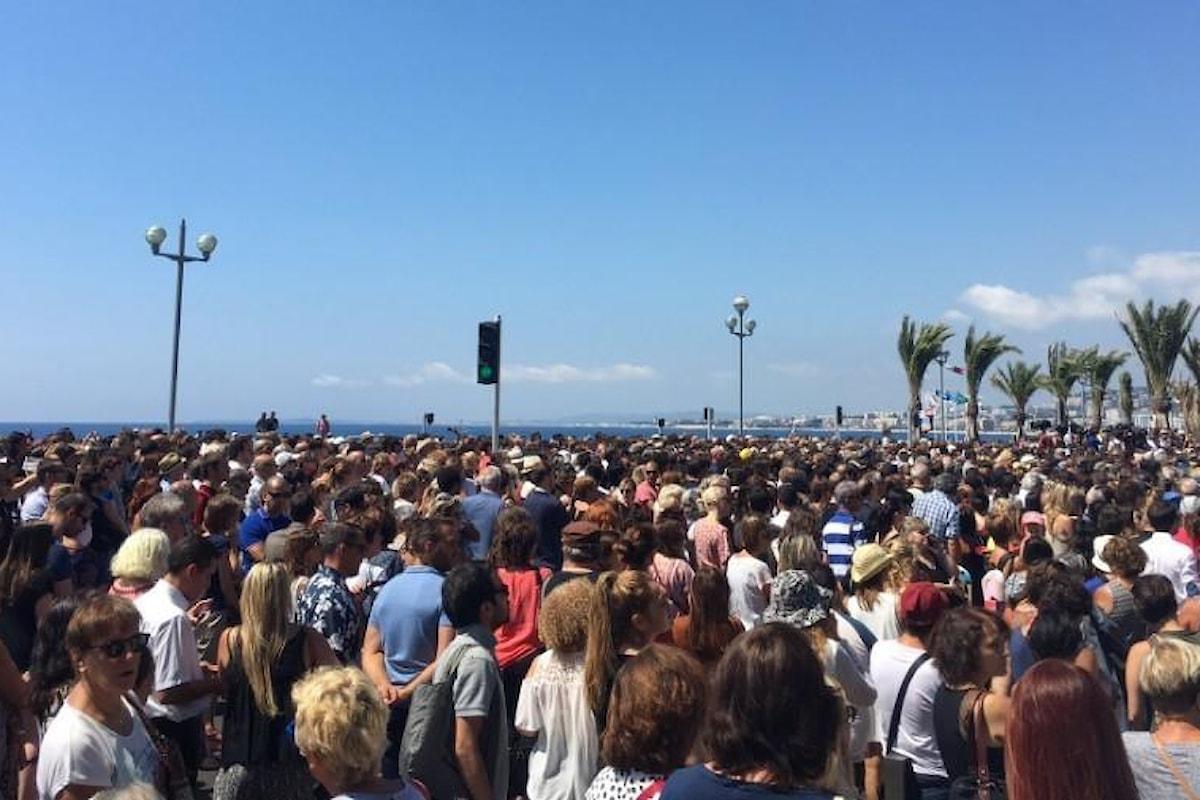 Strage di Nizza: un minuto di silenzio in tutta la Francia in omaggio alle vittime