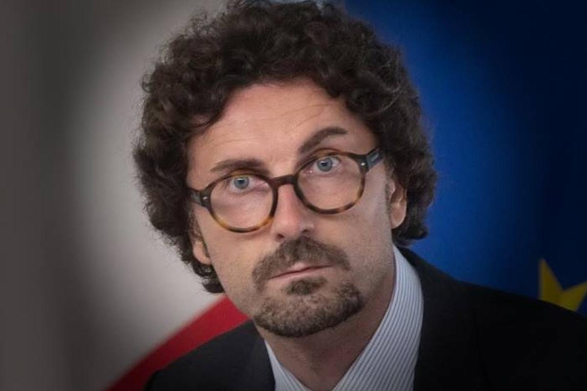 Per Toninelli Genova risorgerà in pochi mesi... al massimo anni!