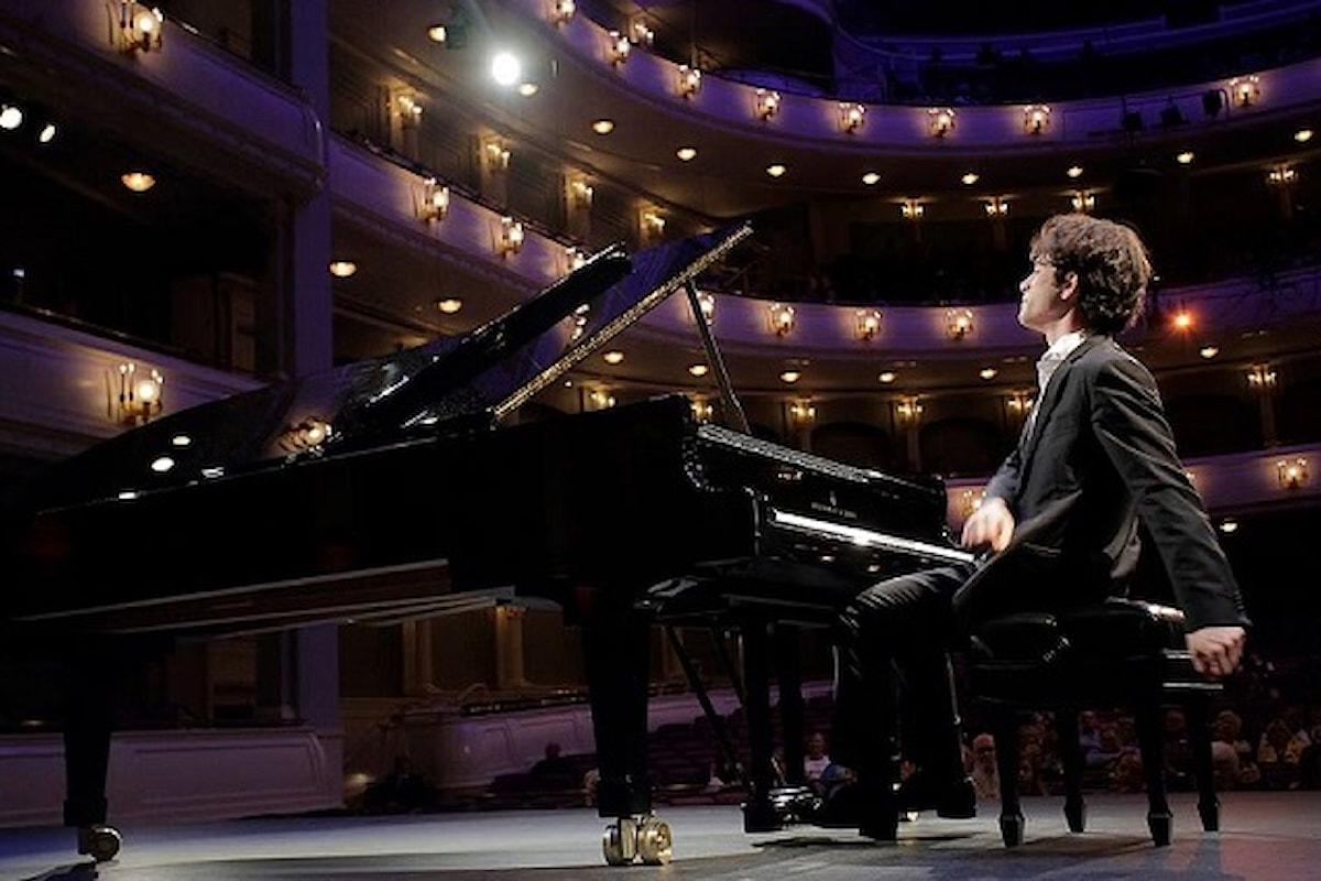 Nella scenografia ottocentesca di Palazzo Savelli il Festival Liszt prosegue con Alessandro Pierdomenico e le eccellenze della musica classica italiana